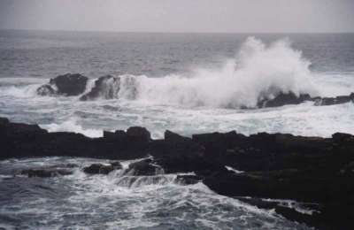 huge waves on rocks at Storms River mouth